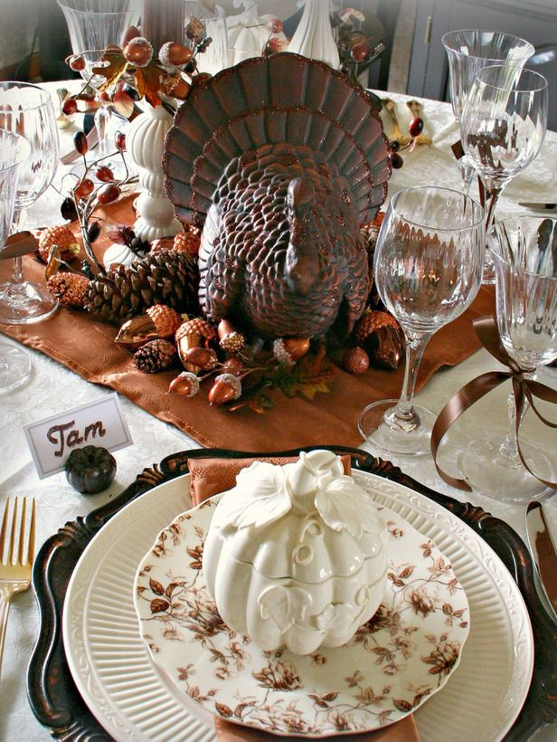 Ceramic turkey centerpiece