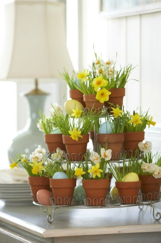 Flower pot Easter centerpiece