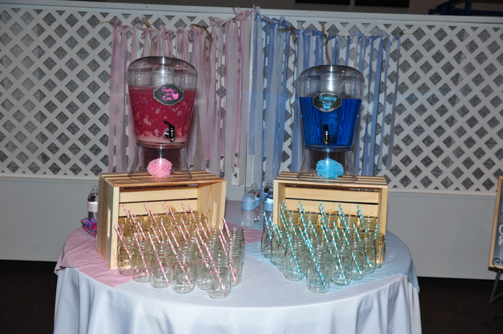 "Gender reveal drinks ""Pretty in Pink"" and ""Bouncing Blue"""